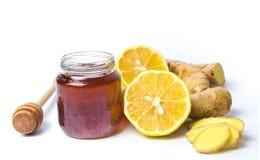 Опарник имбирей меда и лимона изолированных на белизне стоковое фото rf