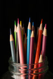 Опарник покрашенных карандашей Стоковая Фотография RF