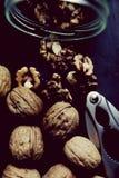 Опарник шутихи грецкого ореха грецких орехов Стоковые Изображения RF