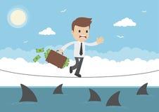 Опасное положение бизнесмена вектора шаржа идя над акулами Стоковые Изображения RF