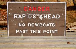 Опасность! Бурная вода вперед! Стоковое фото RF