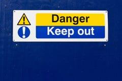 опасность держит вне знак Стоковая Фотография RF
