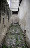 Опасный переулок в городе Стоковое Фото