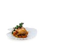 Опаленные scallops служили на кровати овощей дальше Стоковое Изображение RF