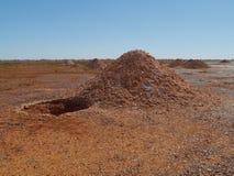 Опаловое минирование в австралийской пустыне Стоковое Изображение RF