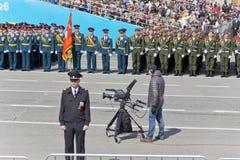 Оператор на церемонии военного парада отверстия на ежегоднике VI Стоковые Фото