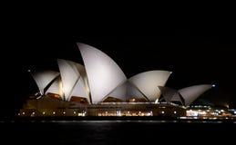 опера Сидней ночи дома Стоковые Изображения