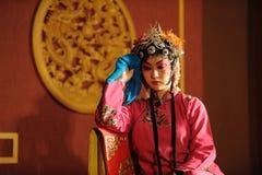 опера фарфора стула актрисы сидит Стоковое Фото
