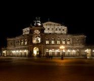 Опера Semper на ноче Стоковые Фото
