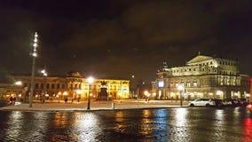 Оперный театр Дрездена Semper на квадрате Theaterplatz стоковое изображение rf