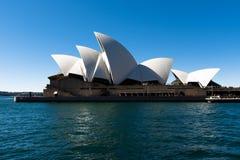Оперный театр Сиднея, Австралии NSW 20180820 на ноче стоковые изображения