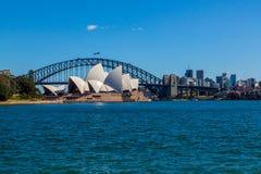 Оперный театр Сиднея с яхтами Стоковые Фото