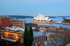 Оперный театр Сиднея в вечере Стоковое фото RF