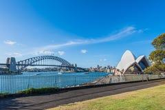Оперный театр Сиднея и мост гавани Стоковые Фото