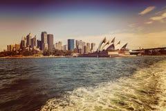 Оперный театр Сиднея и CBD Стоковая Фотография RF