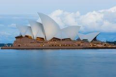 Оперный театр Сиднея долгой выдержки Стоковое Изображение RF