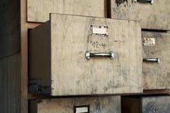опиловка шкафа старая Стоковое Фото