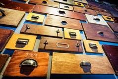 опиловка шкафа старая Стоковая Фотография