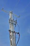 Опора линии электропередач с внешним электрическим разделителем Стоковые Фотографии RF