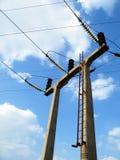 Опора электричества 3 проводов конкретная портальная Стоковая Фотография RF