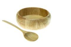 Опорожните деревянную ложку шара и супа изолированную на белой предпосылке Стоковые Изображения