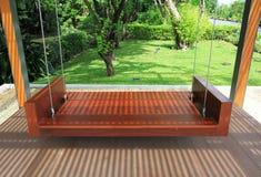 опорожните качание деревянное Стоковые Фото