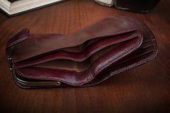 Опорожните открытый бумажник ` s людей Стоковое Изображение RF