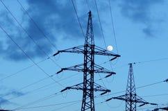 Опоры высоковольтных линий электропередач Стоковые Фотографии RF