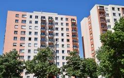 опоры группы электричества dalian фарфора жилых домов стоковые изображения rf