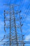 Опоры линии электропередач и линии электропередач Стоковое Фото