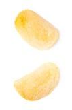 Определите изолированный кусок картофельной стружки Стоковая Фотография