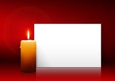 Определите свечу с панелью белой бумаги на красной предпосылке Стоковые Изображения RF