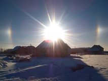 Оптически влияние венчика зимы в небе стоковая фотография rf