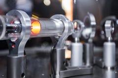 Оптически интерферометр Michelson с красным лазером стоковая фотография rf