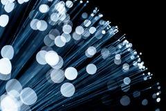 Оптическое волокно испуская голубой свет Стоковая Фотография RF
