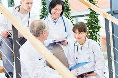 Опытные доктора на клинике Стоковая Фотография