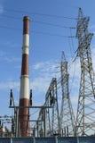 опять сконденсированные caldrons coolled жара hereinafter немногая двинет воду пара турбины башни пара станции вращения силы Стоковое фото RF