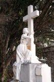 Оплакивая скульптура, кладбище в районе Дубровнике Boninovo Стоковое Изображение RF