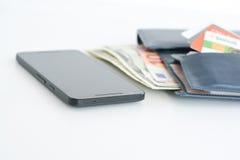 Оплаты или электронная коммерция мобильного телефона стоковое изображение