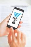 Оплаты или электронная коммерция мобильного телефона стоковое фото