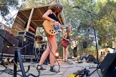 Оплачьте (диапазон от Каталонии) в концерте на фестивале Vida стоковое фото