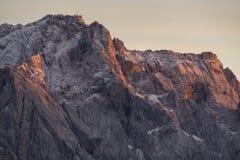Оранжевая накаляя гора стоковое изображение rf