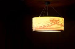 Оранжевая потолочная лампа стоковая фотография