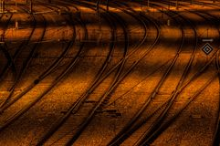 Оранжевое смешивание рельса вечером стоковое фото