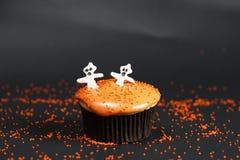 Оранжевое boohoo пирожного стоковые изображения