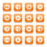 Оранжевый знак стрелки округлил квадратную кнопку сети значка иллюстрация штока