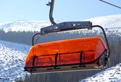 Оранжевый кабел-кран в Jasna - низком Tatras, Словакии стоковые изображения rf