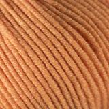 Оранжевый крупный план макроса шарика потока шерстей Стоковое Фото