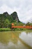 Оранжевый мост Vang Vieng Лаос Стоковые Фотографии RF