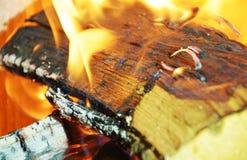 Оранжевый огонь в печи, абстрактной предпосылке пламен Стоковое Изображение